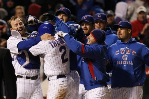 Les Cubs de Chicago ont défait les Rangers... (Photo: Charles Rex Arbogast, AP)