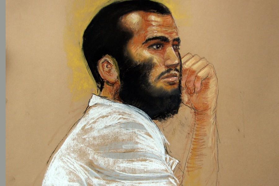 Une esquisse montre Omar Khadr lors des audiences... (Photo: AFP)