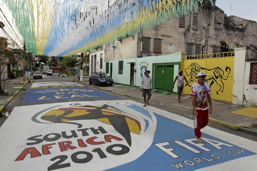 Les rues de Rio de Janeiro sont décorées... (Photo: AP)