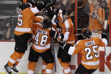 Les Flyers de Philadelphie méritaient de gagner ce... (Photo: Mel Evans, AP)