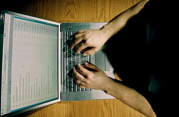 Les internautes qui réservent un hôtel en ligne... (Photothèque La Presse)