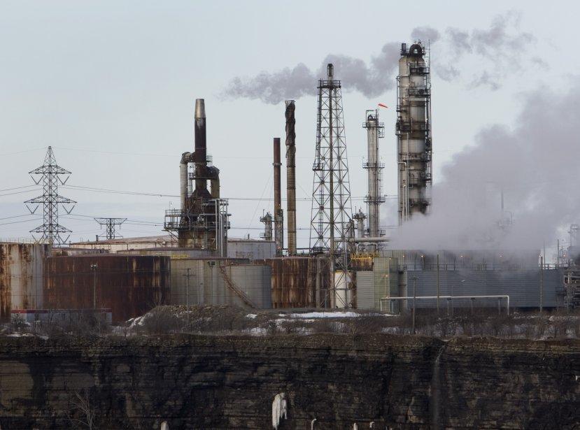 La fermeture de la raffinerie Shell dans l'est... (PHOTO: ROBERT SKINNER, ARCHIVES LA PRESSE)