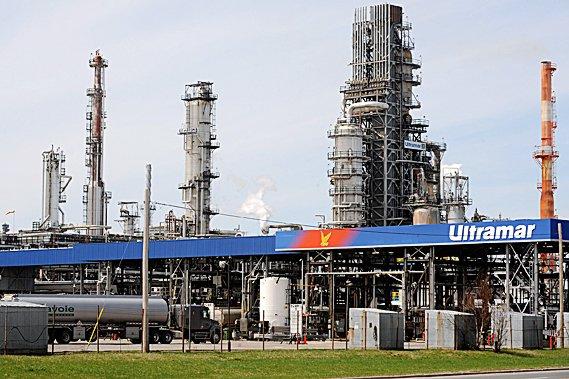 La raffinerie Ultramar de Lévis... (Photothèque Le Soleil)