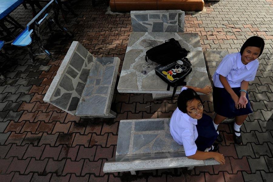 De jeunes écolières thaïlandaises, à Bangkok.... (Photo: AFP)