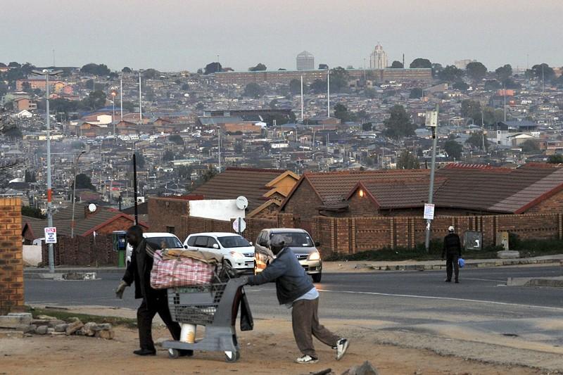 Les rues d'Alexandra, township situé au nord de... (Photo AFP)