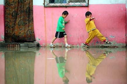 Quelque 140 000 maisons se sont effondrées et... (Photo: AFP)