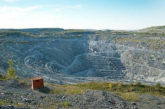 La mine d'amiante Jeffrey, à Asbestos... (Photo: Photothèque Le Soleil)
