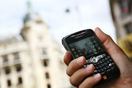En plus de se pencher sur les téléphones... (Photo: archives AFP)