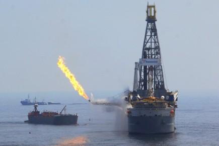 Un incendie provoqué par la foudre sur un bateau participant au... (Archives AFP)
