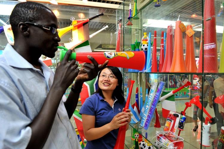 Environ 90% des vuvuzelas sud-africaines sont produites en... (Photo: AFP)