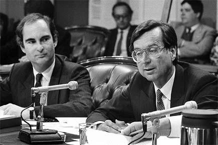 Gil Rémillard (à gauche, photographié avec le premier... (Photo: archives PC)