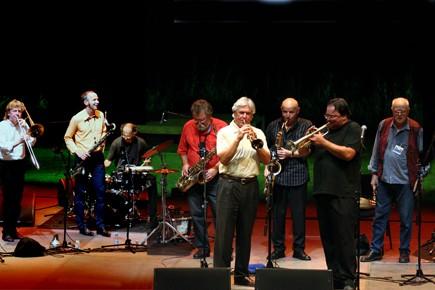 Le Globe Unity Orchestra n'est venu qu'une fois... (Photo fournie par Suoni Per Il Popolo)