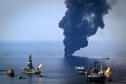 Outre le Discoverer Enterprise qui siphonne entre 15... (Photo: Reuters)