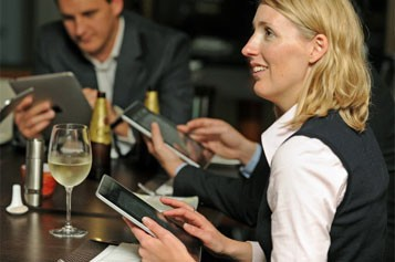 Les restaurants ont décidé de s'emparer du dernier né d'Apple... (Photo: AFP)