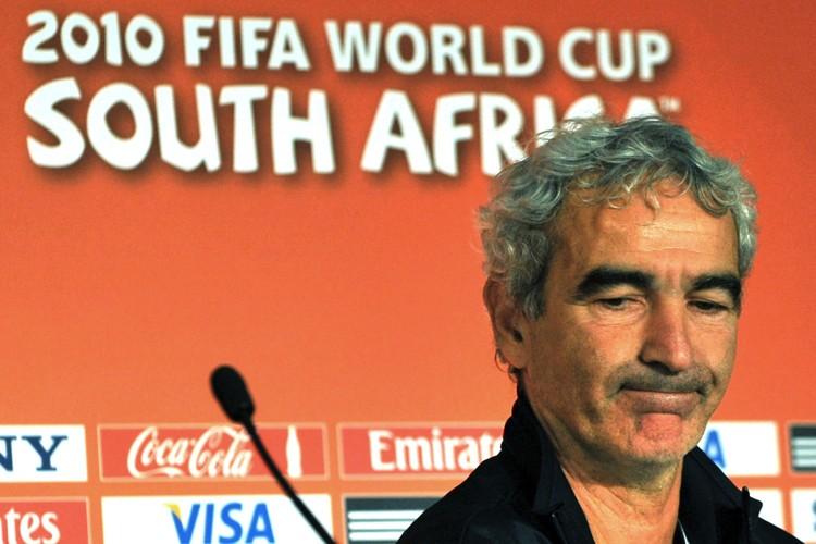 Le sélectionneur de l'équipe de France, Raymond Domenech.... (Photo: AFP)