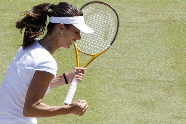 Tsvetana Pironkova jubile après avoir vaincu Venus Williams... (Photo: AFP)