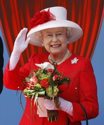 """Résultat de recherche d'images pour """"Elizabeth II, Canada"""""""