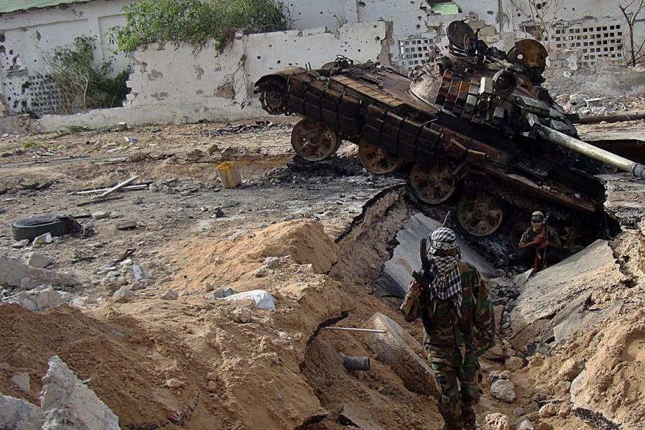 Des insurgés islamistes shebab se déploient près d'un... (Photo: AFP)