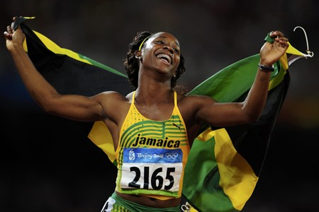 La championne olympique du 100 mètres, Shelly-Ann Fraser.... (Photo: Reuters)