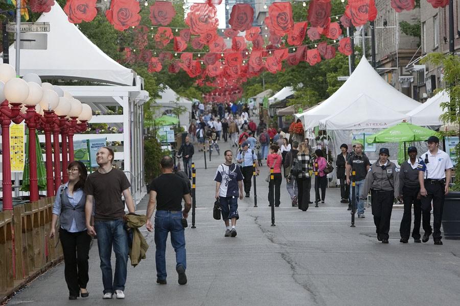C'est la quatrième année que la rue Sainte-Catherine... (Photo: Robert Skinner, La Presse)