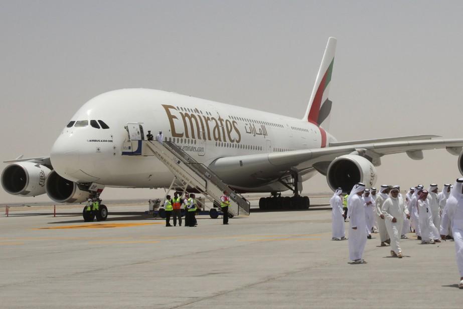 Un avion de la compagnie émiratie Emirates Airline... (Photo: archives AFP)