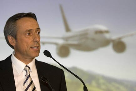 Guy Hachey, président de Bombardier Aéronautique.... (Photo d'archives, Robert Skinner, La Presse)