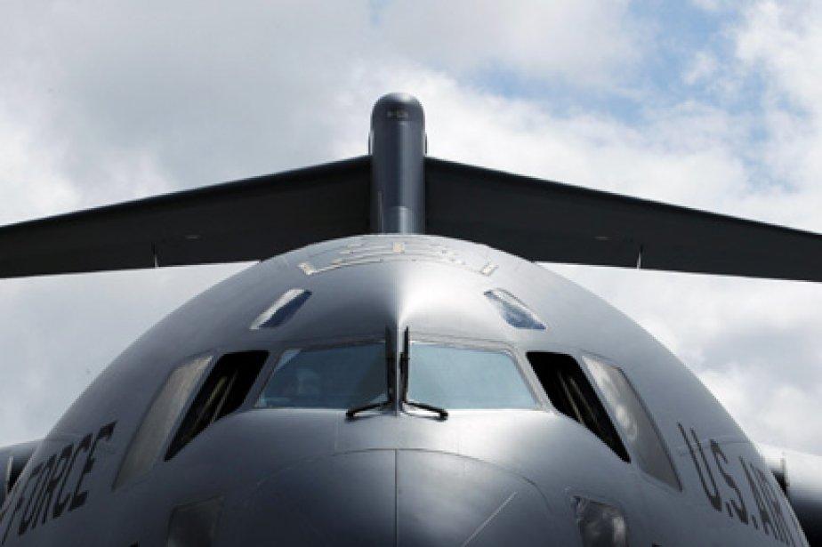 Le recul de la demande pour les avions cargo C-17 force... (Photo Reuters)