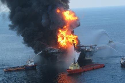La plateforme Deepwater Horizon victime d'un incendie mortel... (Photo: Archives AFP)