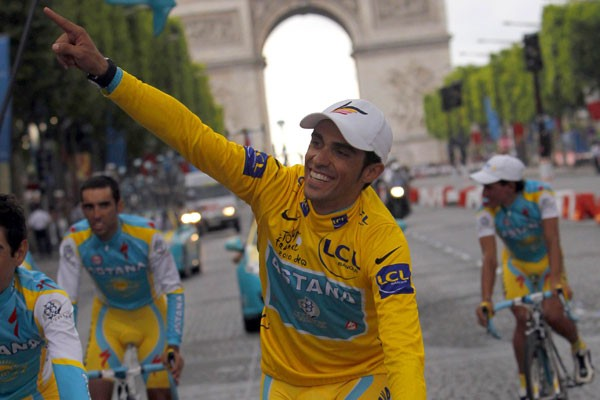 Alberto Contador... (Agence France-Presse)