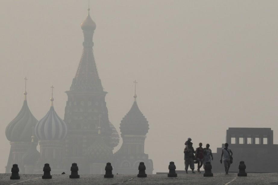 La mortalité à Moscou a fortement augmenté depuis... (Photo: Reuters)
