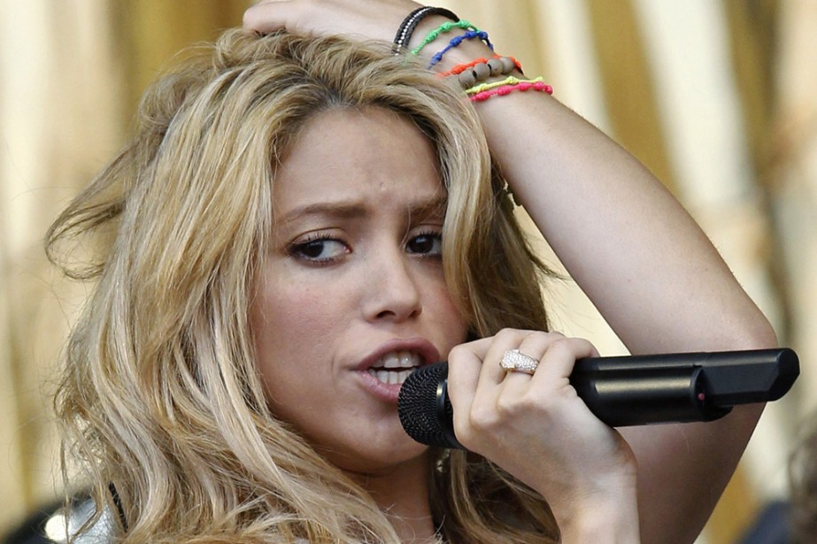 Shakira en spectacle au festival de Glastonbury le... (Photo: Reuters)