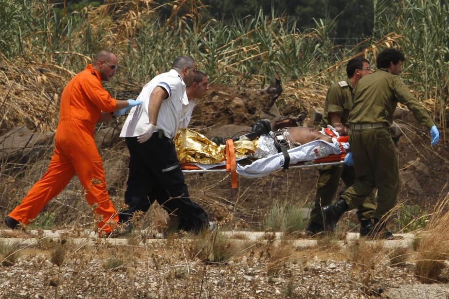 Un soldat israélien est évacué d'urgence en hélicoptère... (Photo: AFP)