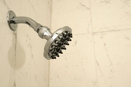 On a installé quatre nouvelles douches en céramique... (Photothèque: La Presse)