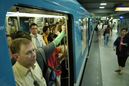Le service de métro est interrompu sur la ligne orange... (Archives La Presse)