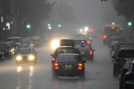 Le mauvais temps a laissé des dizaines de... (Photo: Bernard Brault, La Presse)