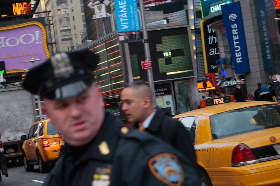 Filmer un policier en pleine action est-il un... (Photo: Getty Images)