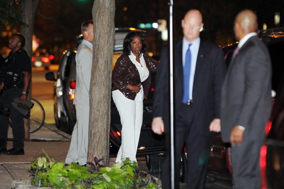 Oprah Winfrey quitte le restaurant où elle a... (Photo: AFP)