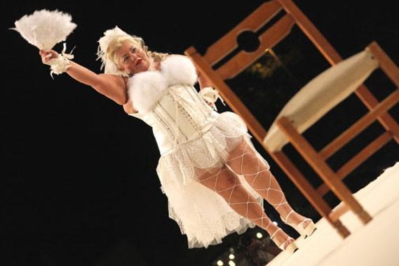Une candidate du concours Miss Cicciona.... (Photo: AFP)