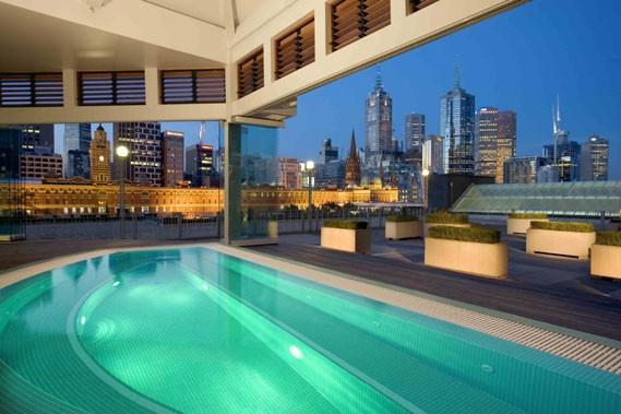 La piscine du Langham, l'hôtel le mieux noté... (Photo fournie par l'hôtel Langham)