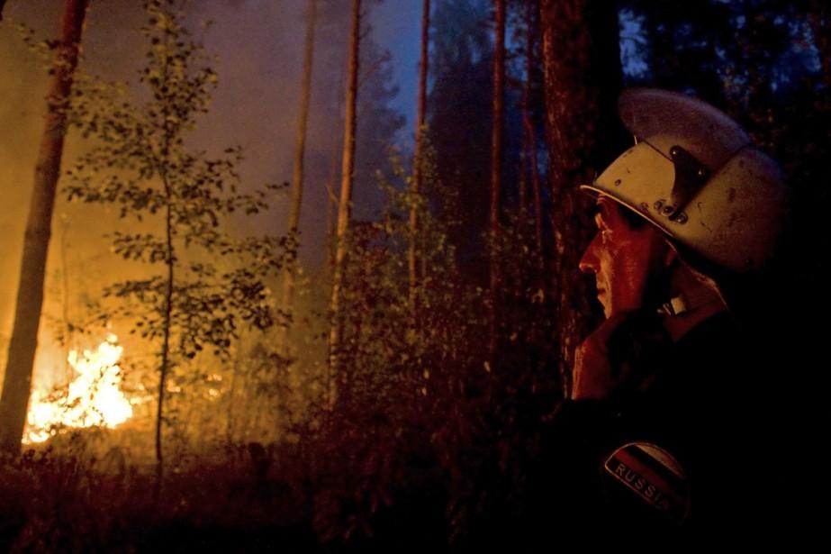 Les pompiers russes doivent affronter les pires incendies... (Photo: AP)
