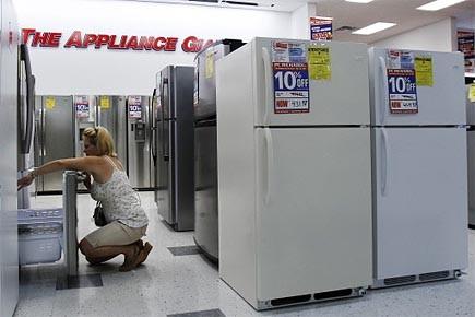 Les Américains financent à crédit environ un quart... (Photo: Reuters)