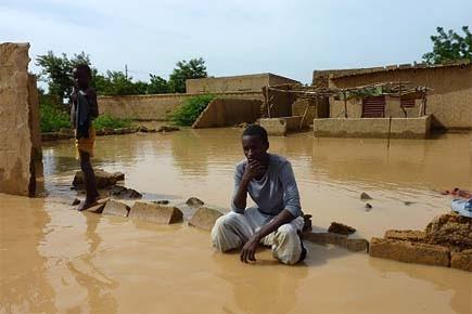 Depuis jeudi, des milliers d'habitants de Niamey ont... (Photo: AFP)