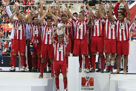 Les joueurs du Bayern Munich célèbrent leur victoire.... (Photo: Reuters)