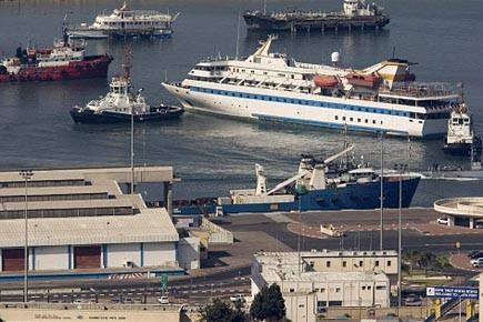 Le Mavi Marmara lors de son remorquage dans... (Photo: AP)