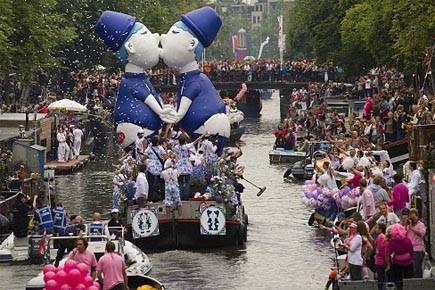 Les décorations des bateaux se déclinaient sur le... (Photo: AFP)