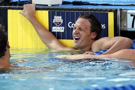 Ryan Lochte peu après avoir battu Phelps.... (Photo: Reuters)