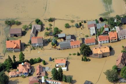 Plus d'un millier de personnes, y compris les... (Photo: AFP)