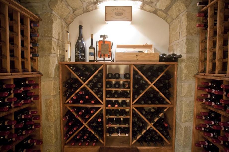 Cave de 380 bouteilles, de 5 pieds sur... (Photo: Ivanoh Demers, La Presse)