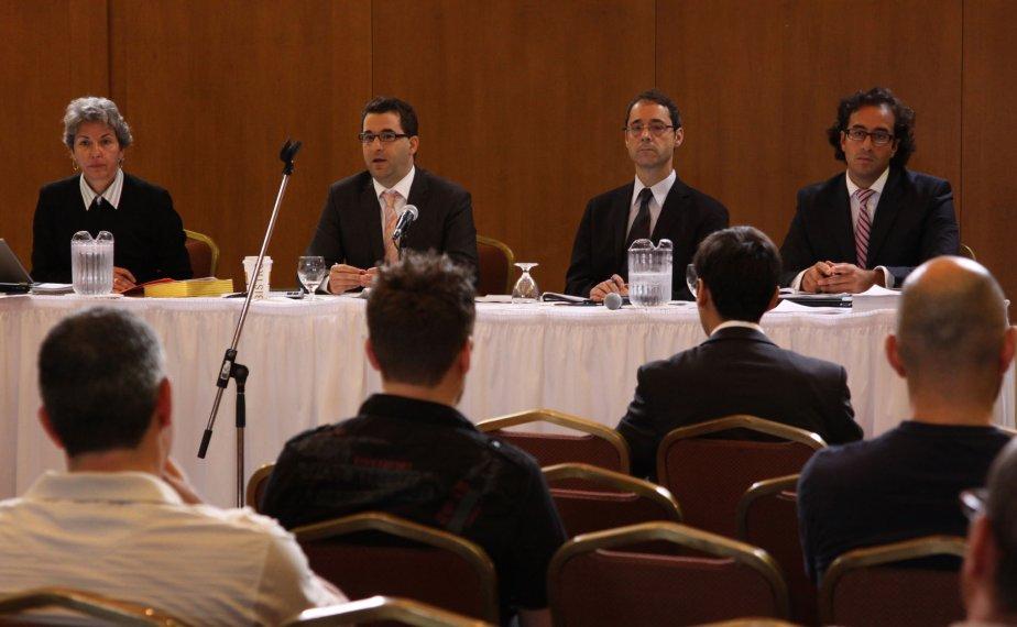 Le syndic et les avocats d'AAER ont présenté... (photo Alain Dion)