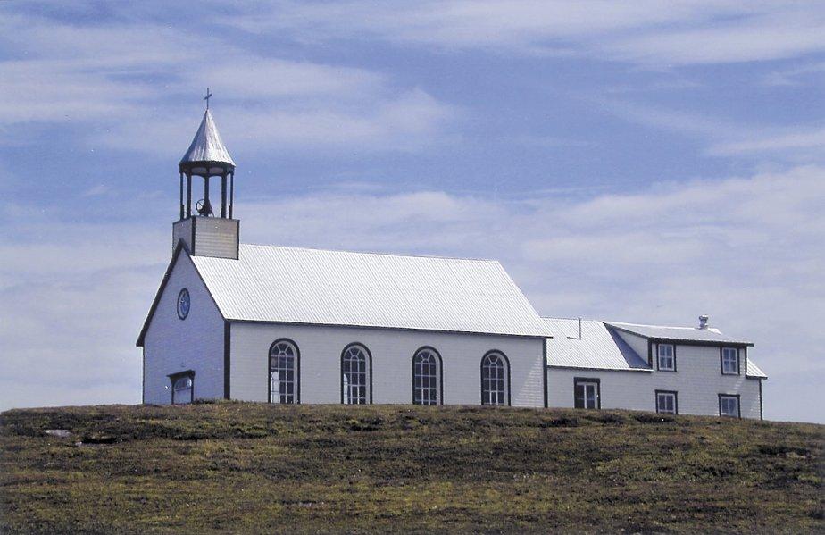 Une église dans l'île Providence au large de Tête-à-la-Baleine. | 1 mars 2011